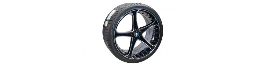 """Conjunto 4 Jantes 22"""" e Pneus BMW X6"""